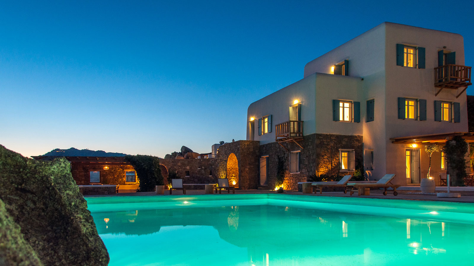 Luxury villa in Mykonos for rent